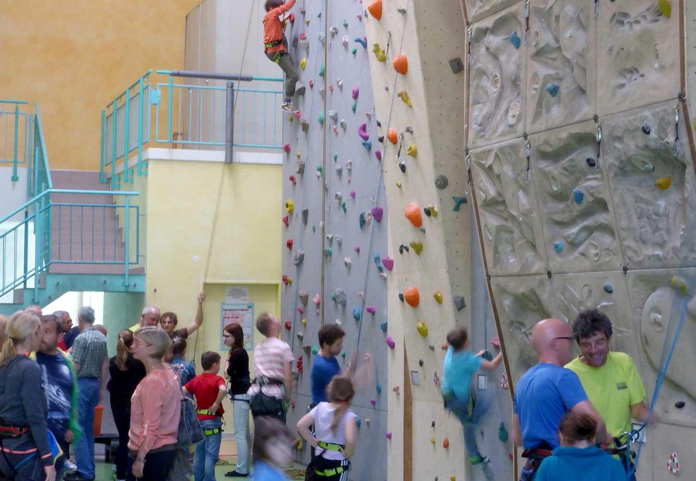 Klettergurt Für Halle Und Klettersteig : Test petzl adjama klettergurt